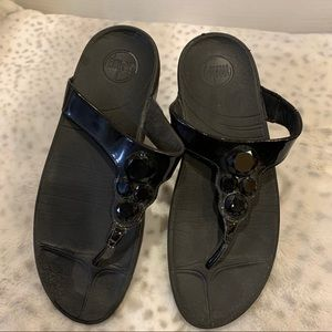 FITFLOP brand black patent beaded 11 thong sandal